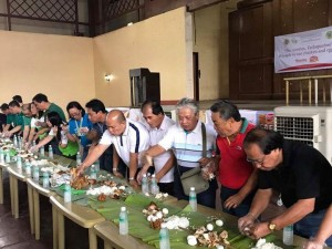 Tarlac Chicken Festival Boodle Fight (3)