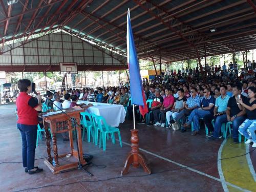 Sinaksihan ni Mayor Nora Modomo ang Paglagda sa Peace Covenant ng mga Tatakbong Kandidato para sa Barangay,SK Election